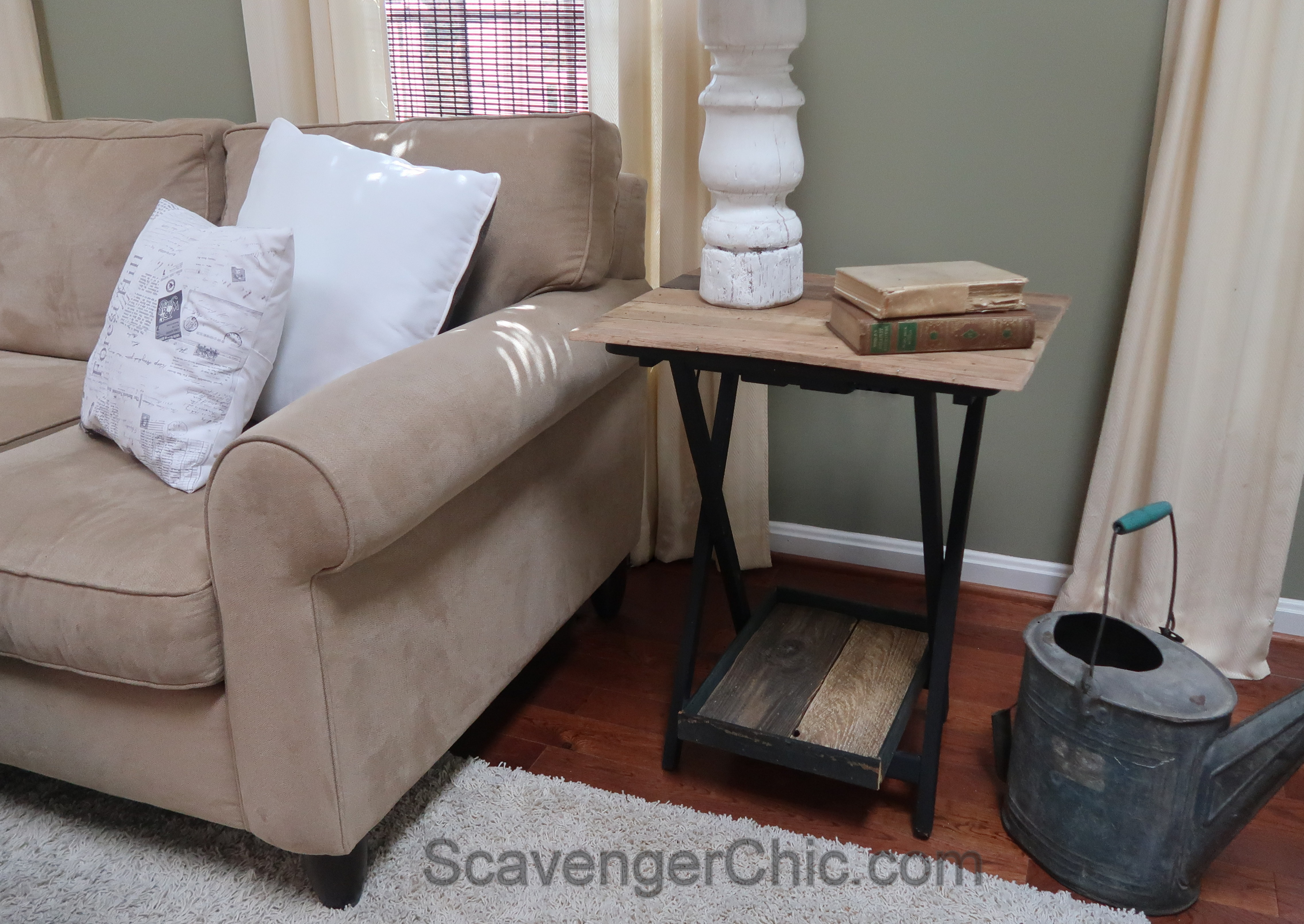 Tv Tray Meets Pallet Wood Scavenger Chic